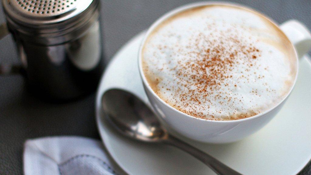 Il caffè delle cinque dell'illustratrice Veronica Mencacci